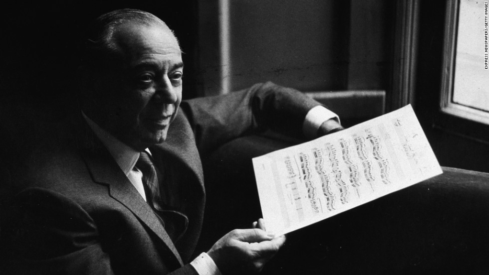 "Richard Rodgers, the music-writing half of the famed Rodgers and Hammerstein composing team, earned an Oscar for his song ""It Might as Well Be Spring"" から ""State Fair."" He received an Emmy for a 1962 TV special, Grammys for two cast albums and six Tonys -- including honors for his works ""South Pacific,"" ""The King and I"" そして ""The Sound of Musquotamp;quot;"