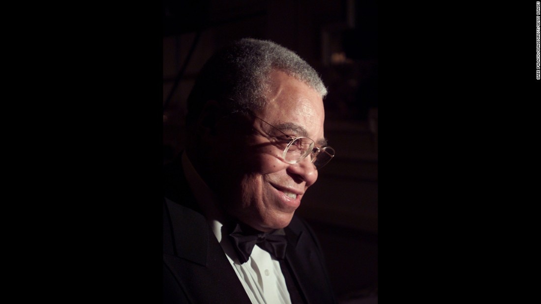 "James Earl Jones won a Tony for 1968's ""The Great White Hope"" and another almost two decades later for 1987's ""フェンスquotamp;quot; He also has three Emmys and a 1977 Grammy for a spoken-word recording. His Oscar, given at the 2011 awards, is honorary."