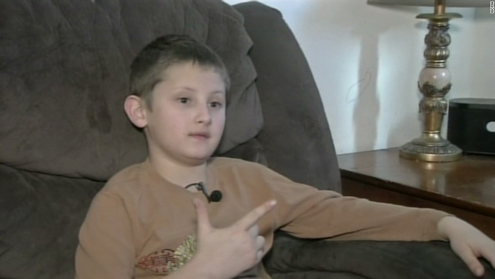 10-year-old suspended for making fingers into shape of gun