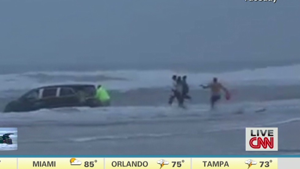 Police: Mother who drove into ocean with children accused of attempted murder