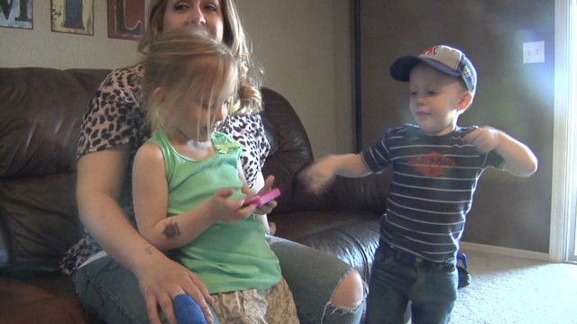 pkg kgun facetime toddler_00002302.jpg