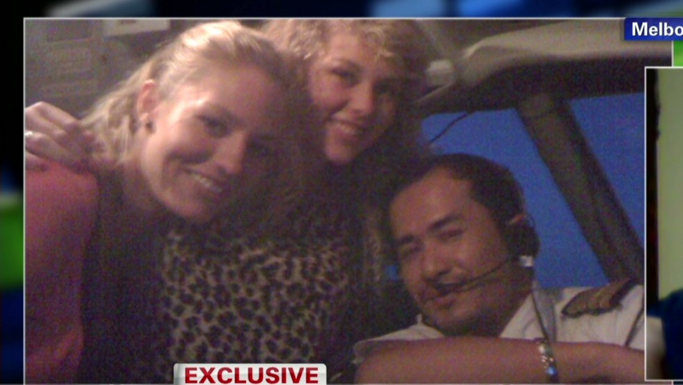 Woman: Missing pilot let me into cockpit - CNN Video