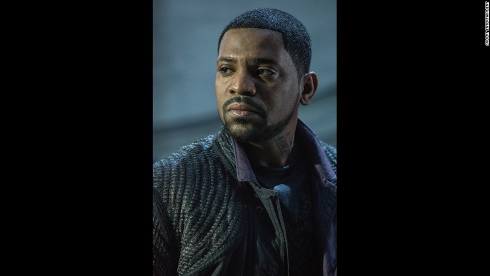 Max (Mekhi Phifer) is another leader of Dauntless, and agrees with Eric's philosophy on what it means to be fearless.