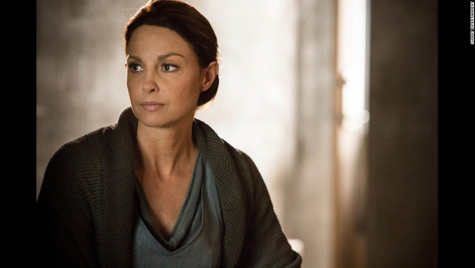 Tris' mother, Natalie Prior (Ashley Judd), is more open to her children moving into a different faction, even though that means they'd leave their home behind.