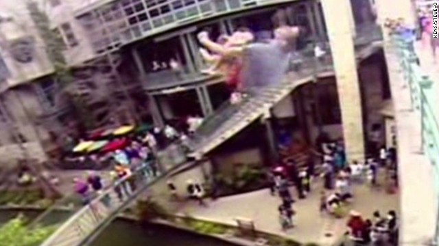 Steve-O jumps off San Antonio bridge