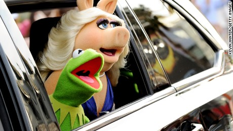 Miss Piggy and Kermit: A love story