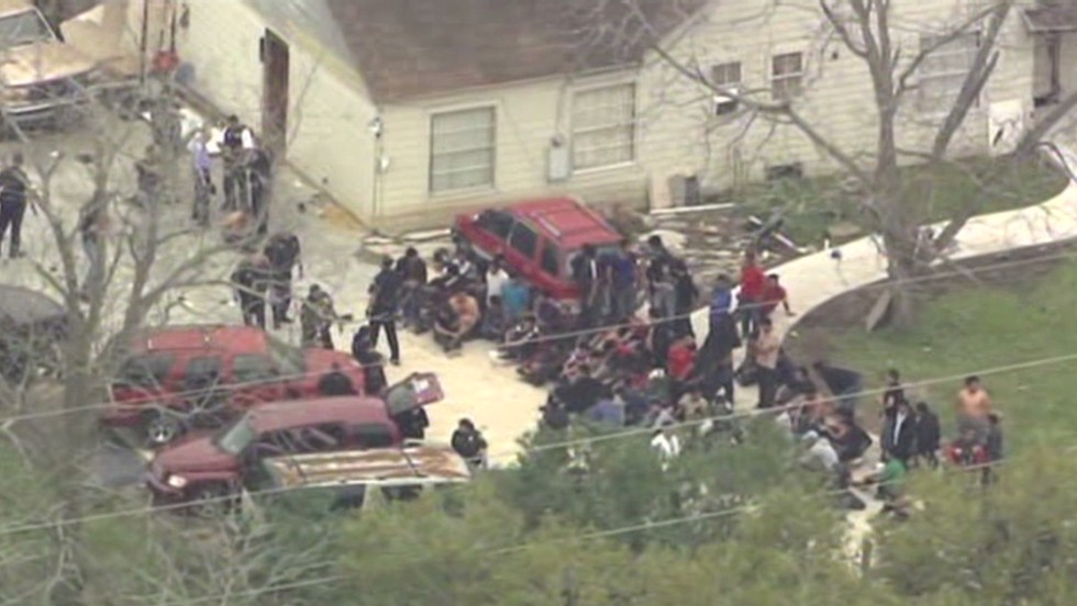 More than 100 immigrants found at suspected stash house in Texas
