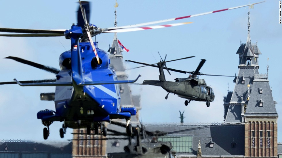 A U.S. helicopter squadron transports Obama to the Rijksmuseum in Amsterdam on March 24.