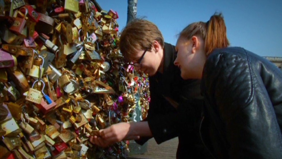 Some not in love with Paris' padlocks - CNN Video