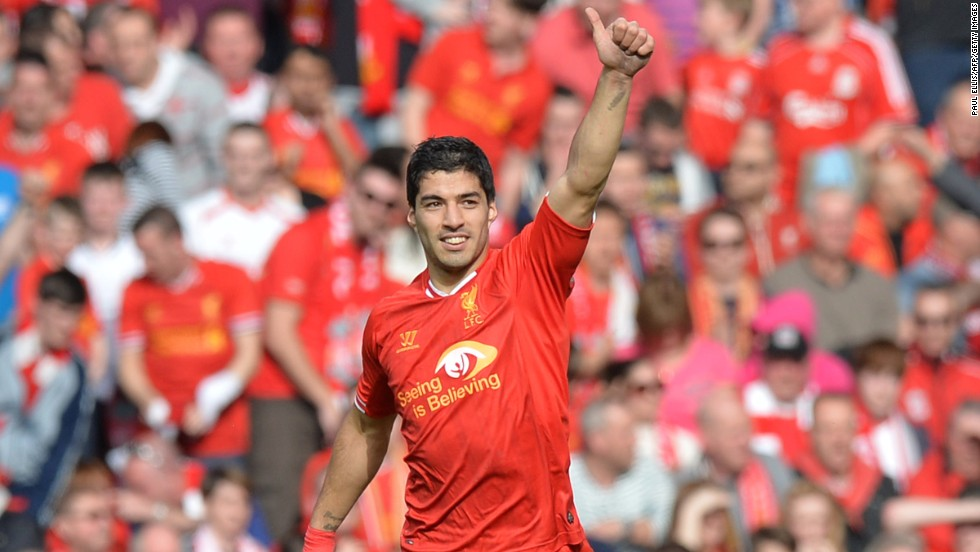 Suarez's devastating form brought Liverpool to the brink of the 2013-14 Premier League title, eventually finishing two points behind champions Manchester City.