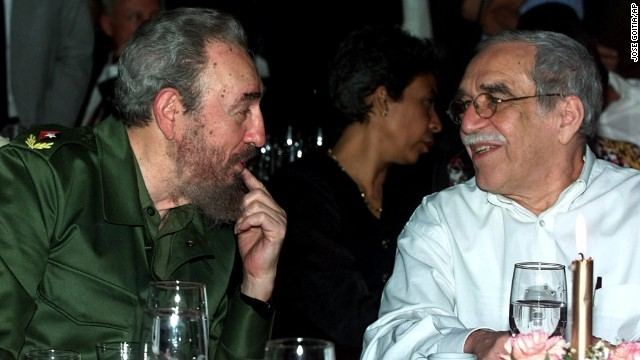 Cuban leader Fidel Castro speaks with García Márquez at the annual cigar festival in Havana in 2000.
