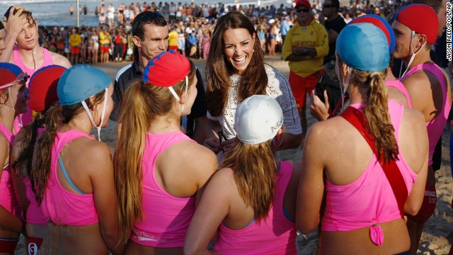Catherine speaks with young lifeguards at Manly Beach in Sydney.