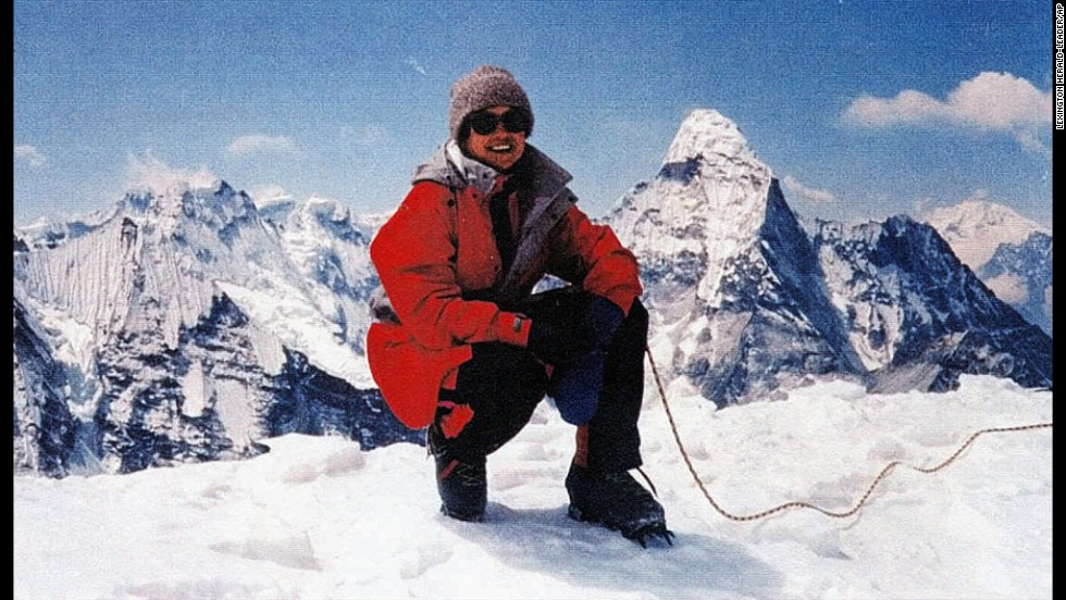 Francys Distefano-Arsentiev became the first American woman to reach Everest's summit without bottled oxygen on May 23, 1998. However, she and her husband, Sergei Arsentiev, never made it off the mountain. They died after becoming separated while attempting to descend in the dark. At least one climbing party found Francys barely conscious, but there was nothing they could do to save her. Her husband's body was found years later. It is believed he fell while trying to save his wife.