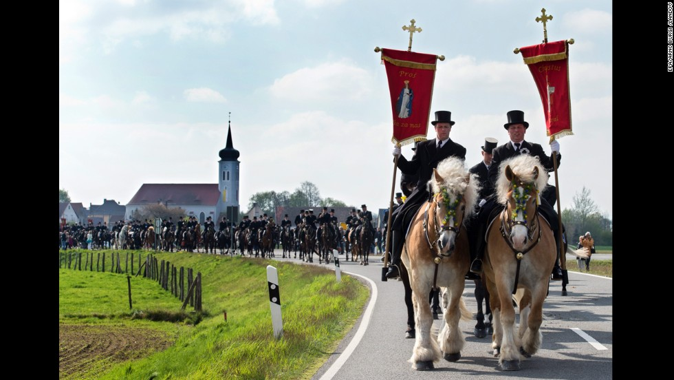 Sorbs -- a Slavic people of Lusatia, which is now part of eastern Germany -- take part in a traditional Easter procession in Ralbitz, Germany, that dates back to the 15th century.