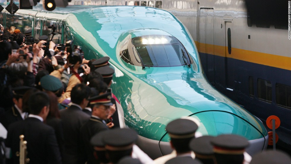 Ever wondered how Japan's super-fast <strong>Shinkansen Bullet Trains</strong> got their distinctive beak-shaped noses? It's not just about smooth aerodynamics. Older trains caused a build-up of pressure in tunnels, which resulted in ear-cracking noises as the train burst out. Engineer Eiji Nakatsu was inspired by a <strong>kingfisher</strong>'s smooth entry into the water to catch prey for his novel design.