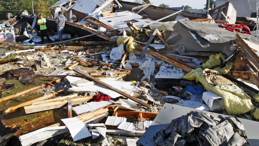 North Carolina cleans up from twisters; Midwest, South brace for wild weather