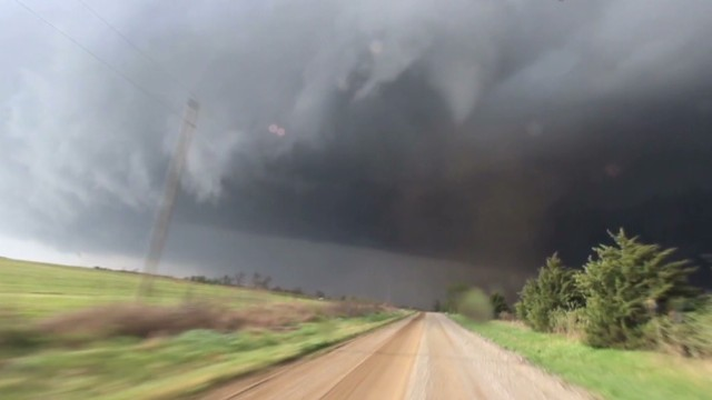 Deadly tornadoes storm through US