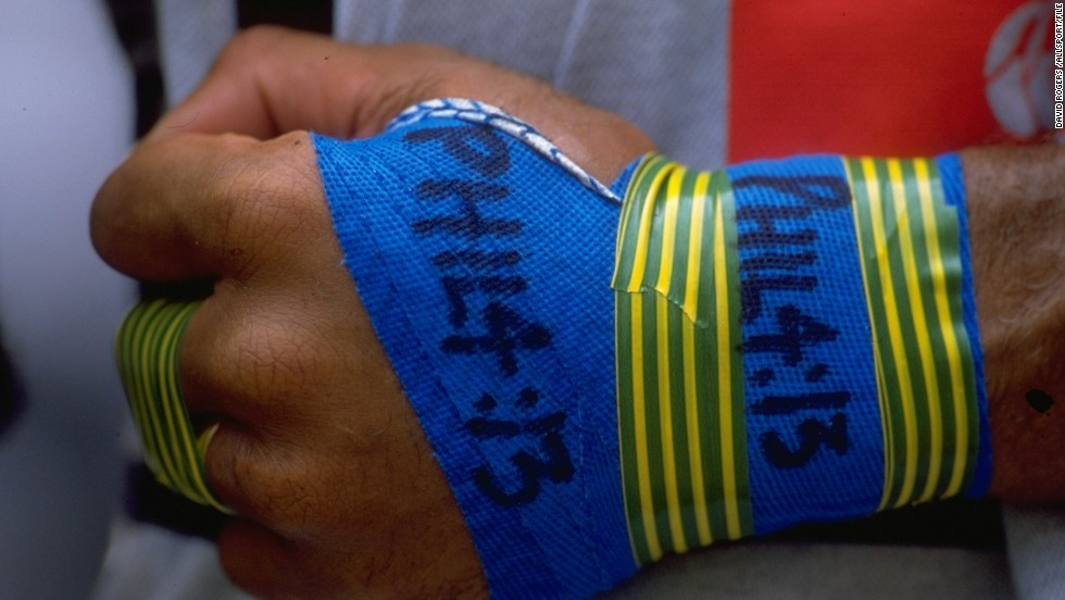 "Serevi is a Christian and during his playing days he always had the bible reference ""Philippians 4:13"" written on his strapping. The passage reads: ""I can do all things through Christ who strengthens me."""