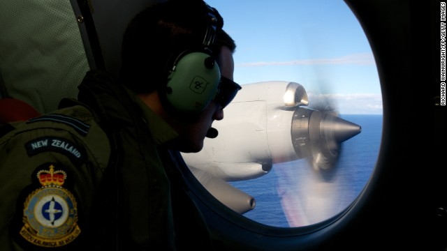 Search for MH370 intensifies, expands