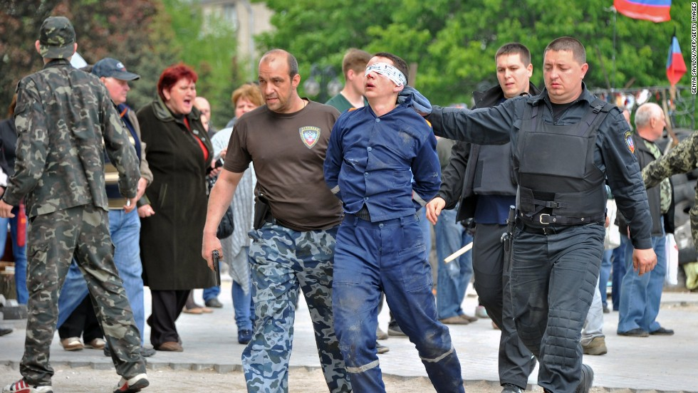 As violence escalates in Ukraine, so do fears of civil war