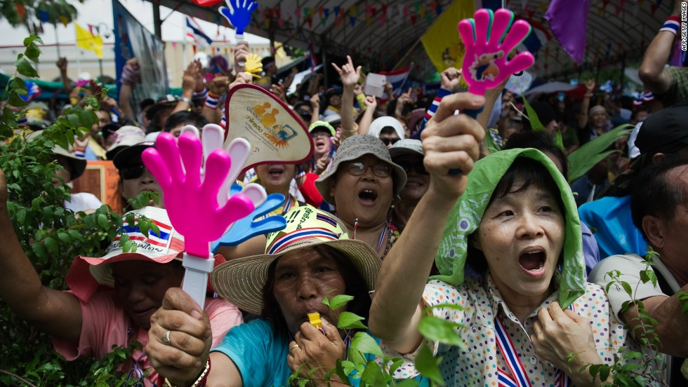 Protesters descend on Thai capital seeking government's ouster