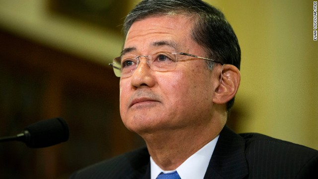 More Democrats say Shinseki should go