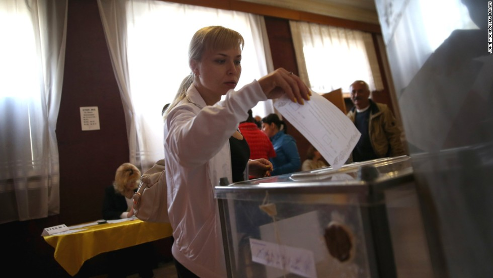 A voter casts her ballot in eastern Ukraine's independence referendum in Slovyansk on May 11.