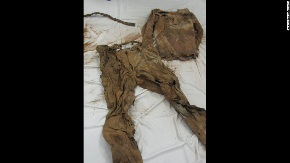 When remains of immigrants are found in the desert, investigators at the Pima County Medical Examiner's Office carefully sift through their clothes for clues about their identities.