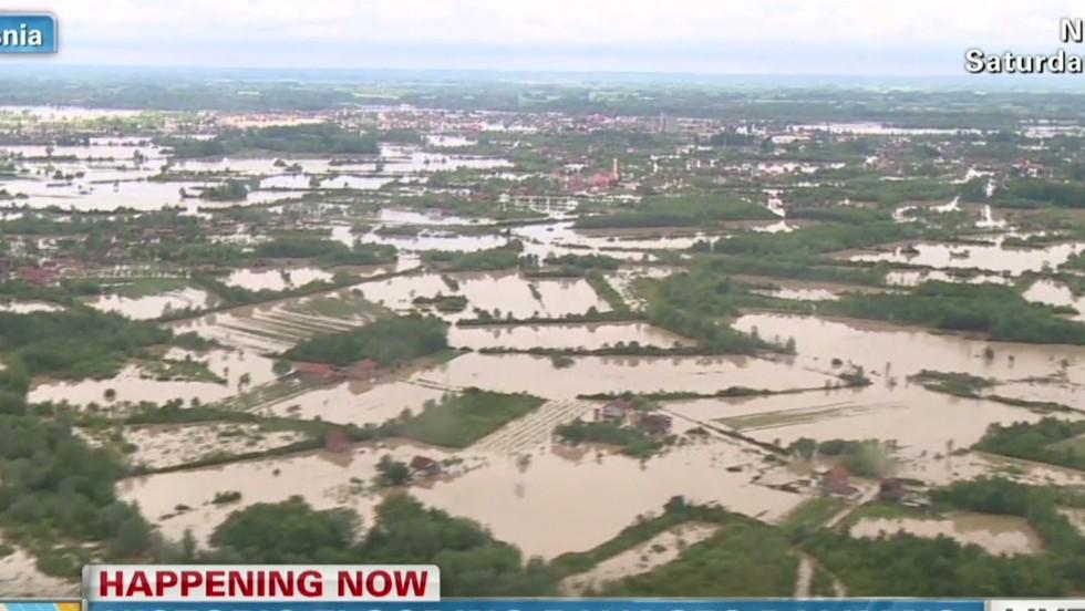 Balkans flooding sparks mass evacuation  - CNN Video