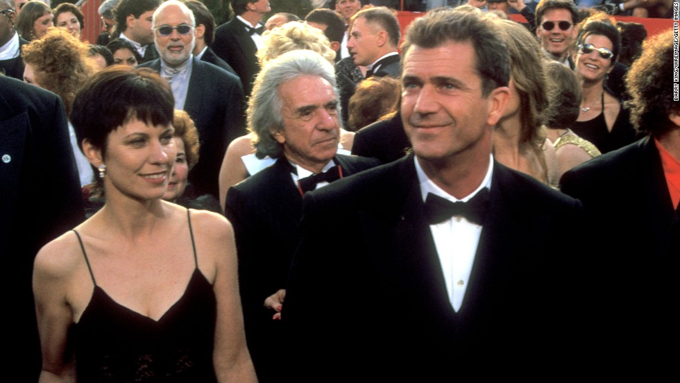 Actor and director Mel Gibson paid $425 million in his split with wife Robyn in 2001.