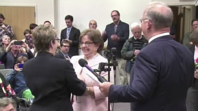 Same-sex marriages begin in Pennsylvania