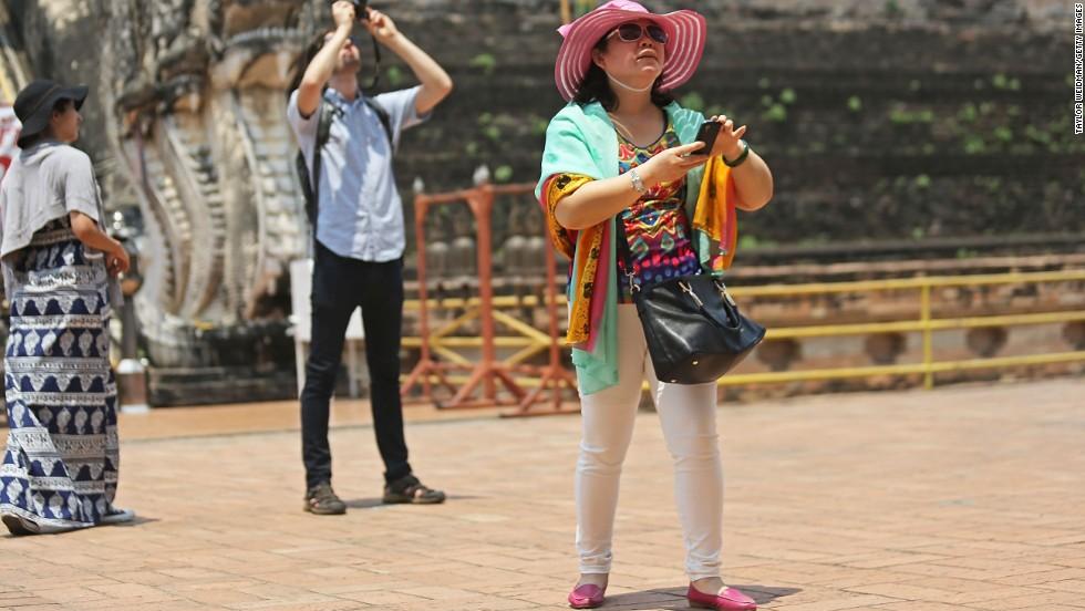 Turbulent year hits Thai tourism industry - CNN Video