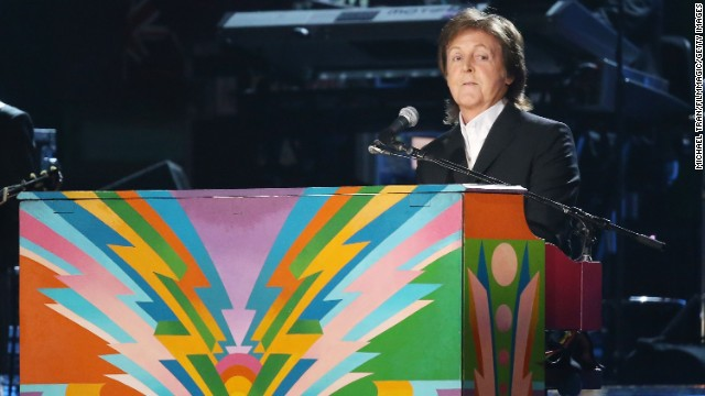 LOS ANGELES, CA - JANUARY 26:  Paul McCartney performs onstage during the 56th GRAMMY Awards held at Staples Center on January 26, 2014 in Los Angeles, California.  (Photo by Michael Tran/FilmMagic/Getty Images)