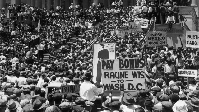 In 1932, 10,000 WWI veterans, many unemployed, protest over pay.