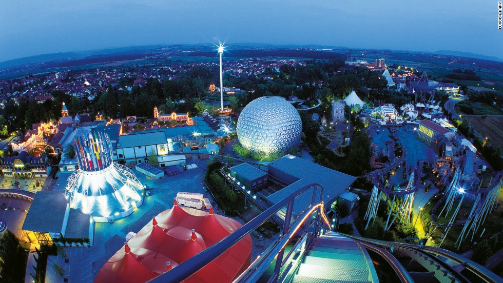 20. Europa-Park in Germany features a restaurant with a one-star Michelin rating.