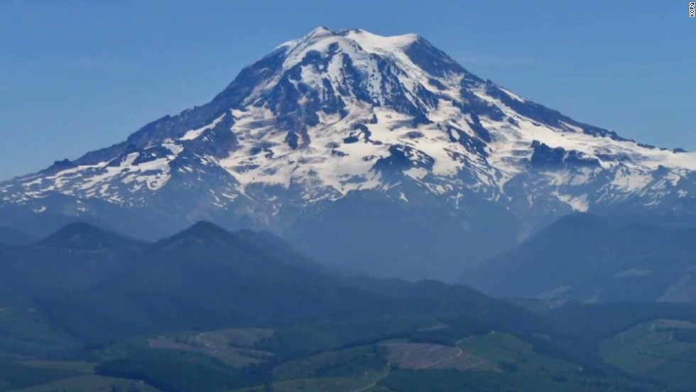 6 missing Mount Rainier climbers believed to have fallen