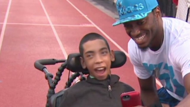 RGIII helps ask special student to prom