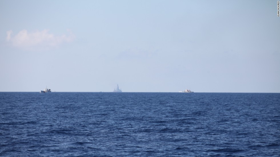 The Chinese oil rig can be seen on the horizon, around 10 nautical miles (NM) distant.