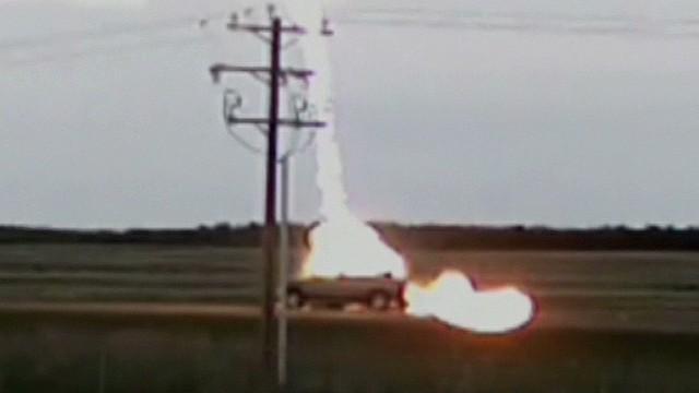 pkg lightning strikes moving car_00005918.jpg & Video shows lightning strike a moving car - CNN Video azcodes.com