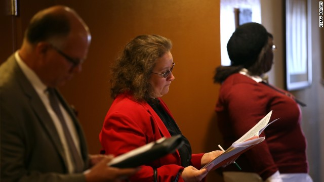 Job seekers fill out applications before the start of the HireLive career fair on June 4, 2014 in San Francisco, California. According to a report by payroll processor ADP, 179,000 private sector jobs were added in May, falling short of economists expectations of 215,000