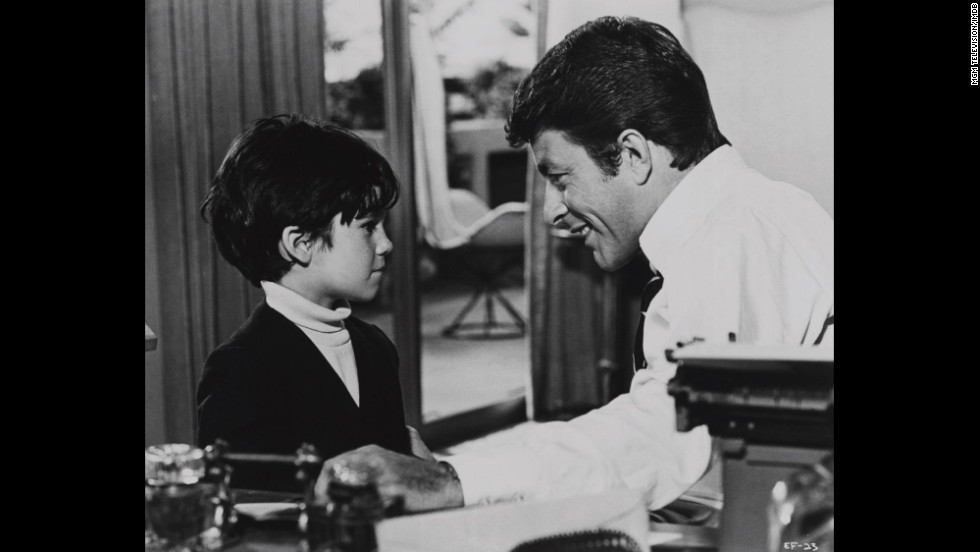 "<strong>""The Courtship of Eddie's Father"": </strong>In this movie-turned-TV-show, a young boy named Eddie decides to play matchmaker for his widowed father."