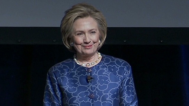 Clinton talks personal finance, Lewinsky