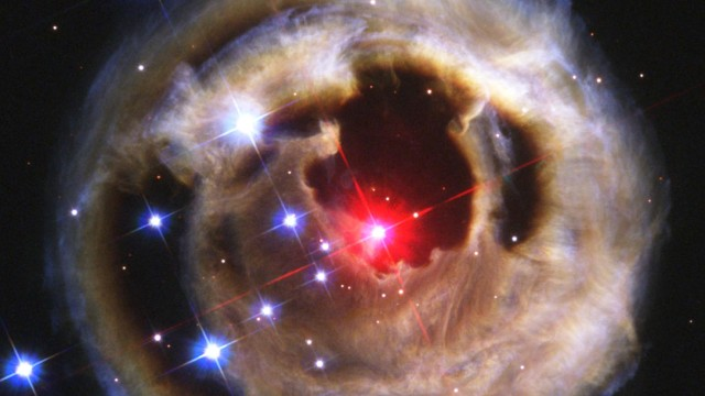 Hubble's 4-year exploding star timelapse