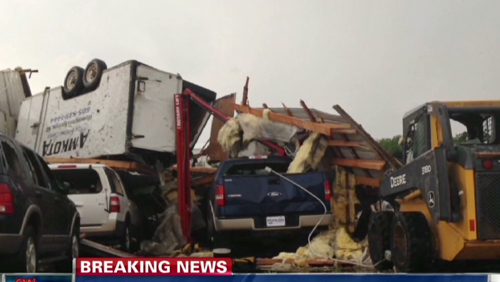Tornado hits south-central South Dakota town