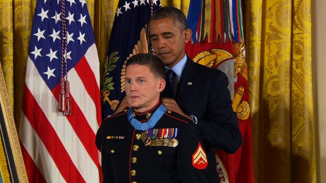 Wounded Marine awarded Medal of Honor