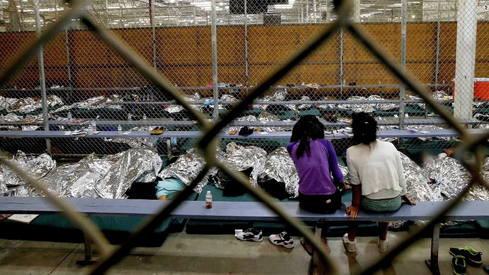 No permisos. Lawmakers, feds debate surge of immigrant kids