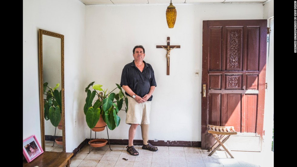 Carlos José García Agurto was injured in 1985 by an anti-personnel mine near the Honduras-Nicaragua border. After the accident, he went to law school and now works as a lawyer.