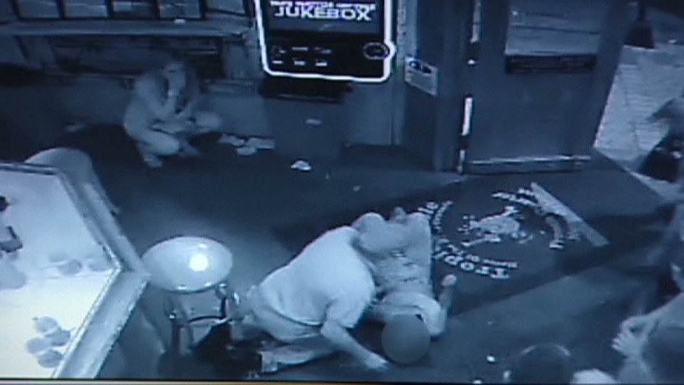 Homicide detectives question man in Bourbon Street shooting