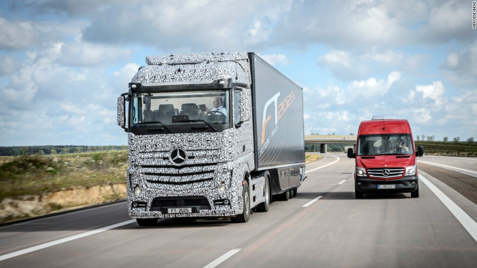 Mercedes' Future Truck 2025 will drive by itself. A prototype took a 3-mile self-guided trek.