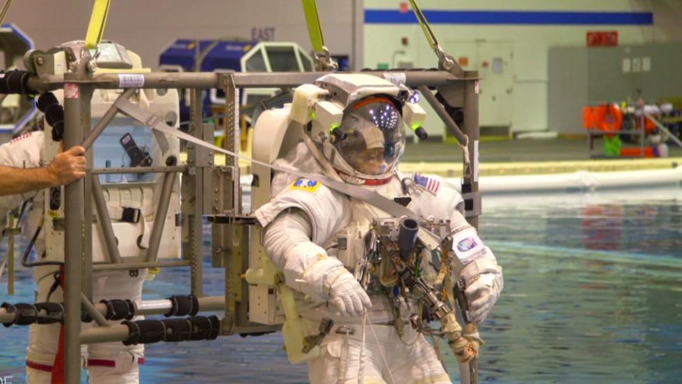 Zero gravity training with NASA - CNN Video